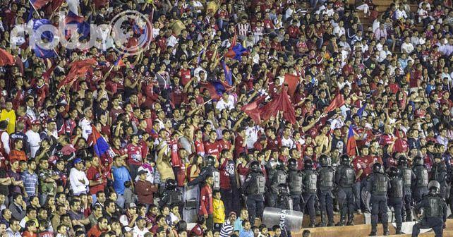 Photo of Representantes de la Directiva Club Irapuato AC toman el estadio