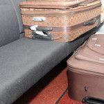 Anciano transportaba a su esposa ¡en una maleta!