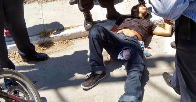 Presunto asaltante, perdió la vida después de recibir impactos de bala por la policía municipal