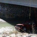 Sobrevive bebé, estuvo trece horas en el auto que cayó al río