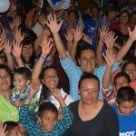 """Atiende """"Moy"""" Cortéz a la comunidad de San Gregorio y encabeza caravana"""