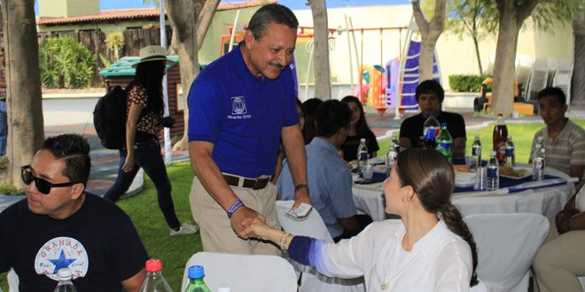 Photo of Escucha las necesidades de jóvenes emprendedores; Ricardo Ortiz