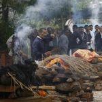 Aumenta a 3 mil 200 muertos por sismo en Nepal