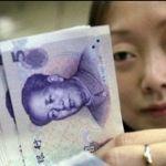 Economía China baja tasas por debilitamiento