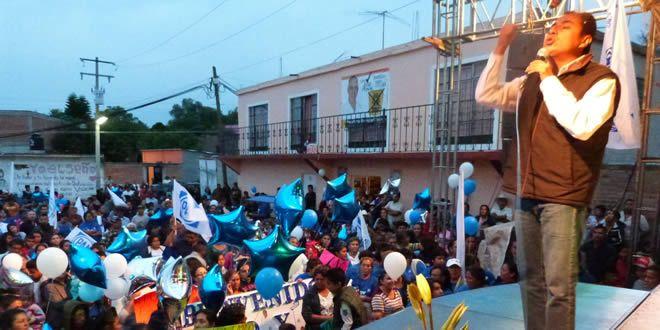 Photo of Continúa Moy Cortéz recibiendo el apoyo de la gente de Cuerámaro