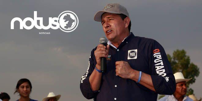 """Alejandro Flores Razo, candidato panista a la diputación local por el Distrito XVII se mofó de la """"preferencia sexual"""" de su adversaria priista, Cony Navarrete"""
