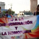 Marchan contra la homofobia
