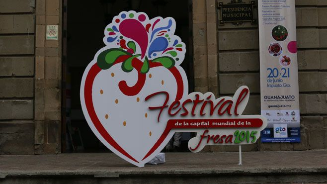 Photo of Celebran tercera edición Festival de la Capital Mundial de la Fresa