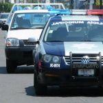 Se impacta patrulla contra camioneta y poste