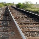 Localizan cadáver maniatado en las vías del tren