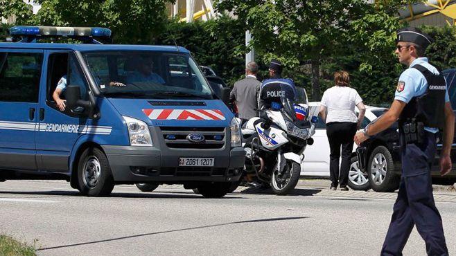 Photo of Ataque terrorista en Francia: decapitaron a un empleado y quisieron volar una fábrica de gas
