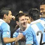 Argentina humilla a Paraguay y queda como finalista contra el anfitrión