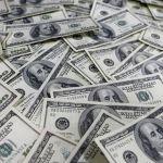 El peso se hunde; dólar llega hasta $17.28