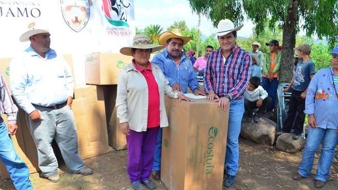 Photo of Alcalde entrega fogones ecológicos en la sierra