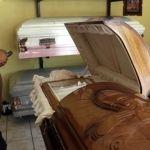 Trabajando con la muerte a un lado, Funerales Guevara