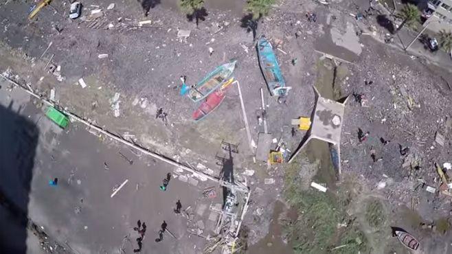 Photo of Dron capta devastadoras imágenes tras terremoto y tsunami en Chile