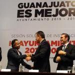 Castro Cerrillo expone las principales acciones en la capital, en la sesión de toma de protesta