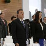 Héctor López Santillana toma protesta por la nueva administración de Léon y recibe apoyo del gobernador MMM