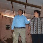 Supervisa alcalde entrega de techos en la colonia Corral de Piedra