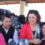 "Continúa alcaldesa campaña invernal ""Abrigando Corazones"""