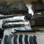 Aseguran arsenal; 5 presuntos integrantes de grupo delictivo detenidos