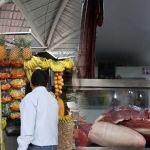 ¡Sale más caro comer uvas que carne!; el kilo alcanza los 100 pesos