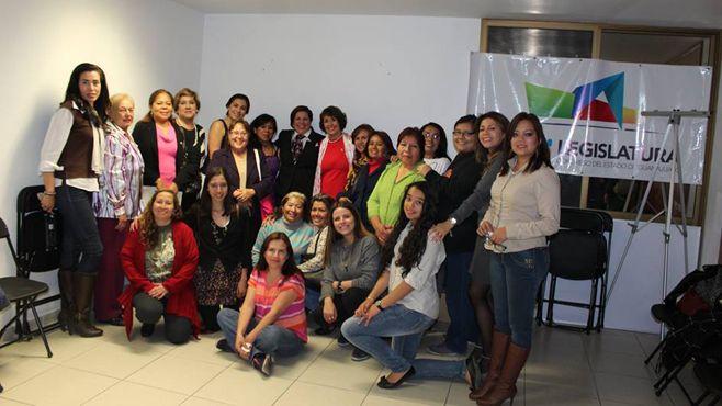 """Photo of """"Cáncer de mama, una tarea pendiente"""", conferencia-taller promovida por la Dip. Leticia González"""