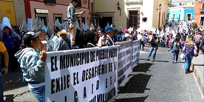 Photo of Coduc pide destitución de alcaldesa de Pueblo Nuevo, afuera del congreso