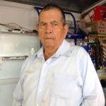"""Amante a la antigua: """"Pachito"""" de 72 años pide en matrimonio a María Rosa"""