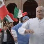 Critican a Televisa por ponerle cumbia al Toque de Bandera