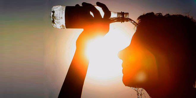 calor-de-calor-lluvias-agua-botella