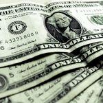 Venden el dólar en $18.20 pesos en el aeropuerto de la Ciudad de México