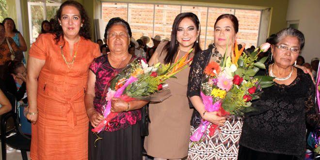 Photo of Centro Gerontológico de Pénjamo elige a su nueva reina 2016: Lupita Primera