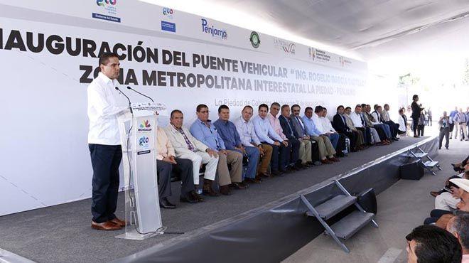 El gobernador de Michoacán Silvano Aureoles en su visita a La Piedad. Foto Arturo Velázquez