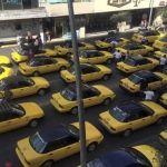 Taxistas de Guadalajara protestan contra Uber