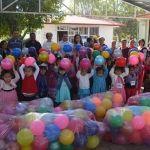 Llevan alegría a niños y niñas
