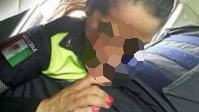 Photo of Corren a mujer policía que practicó sexo oral a su compañero