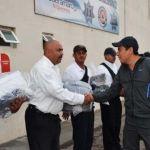Entrega alcalde uniformes a oficiales de Tránsito