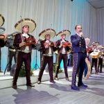 """""""El Potrillo"""" canta para los Peña Nieto"""