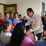 Alcalde de Cuerámaro reconoce a las madres trabajadoras en su día