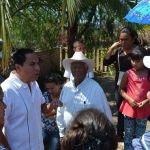 """Reciben habitantes de  """"Puerta de la Reserva"""" al Alcalde"""