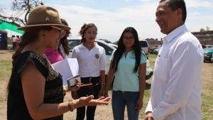 dr. Guerrero con Presidenta de la asociaci_n