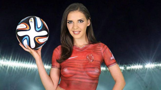 Photo of Actriz porno promete maratón sexual a futbolista por meter goles