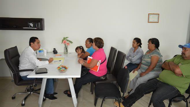 Photo of Atiende alcalde a ciudadanos