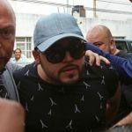 Detienen a Gerardo Ortiz en Aeropuerto de Guadalajara; tenía orden de aprehensión
