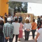 Alcaldesa entrega apoyos a familias neopoblanas