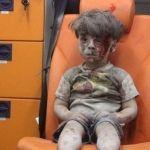 Polémica foto del niño sirio, que no llora, no grita, ya se acostumbró a la tragedia