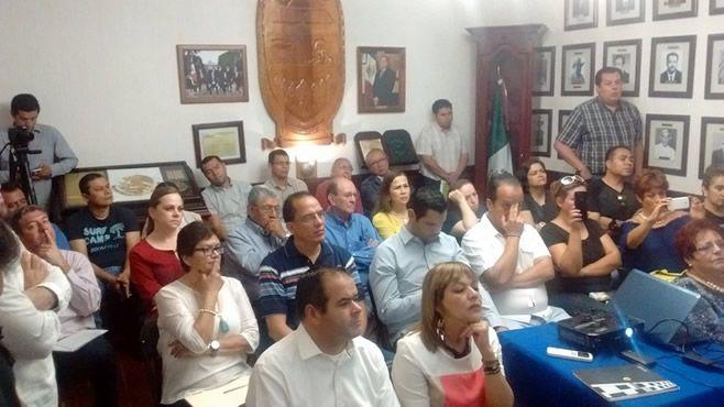 Photo of Se reúnen autoridades y comerciantes de calle Lerdo