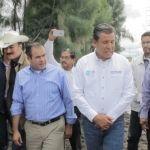 Alcalde y gobernador recorren zona de emergencia