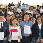 Firma GUANAJOVEN 100 mil becas para jóvenes guanajuatenses